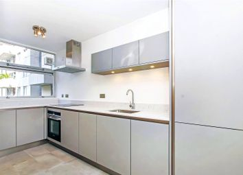 2 Bedrooms Flat for sale in Rennie Court, 11 Upper Ground, South Bank, London SE1