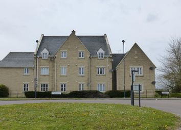 2 bed flat to rent in Callington Road, Swindon SN25