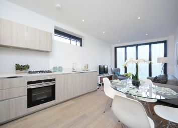 Thumbnail 2 bed flat to rent in 2.05, Brighton Road