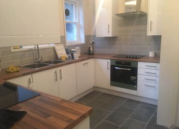 Thumbnail Room to rent in Marchwood Crescent, London