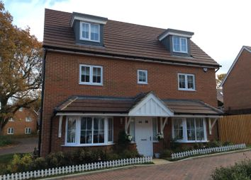 Thumbnail 5 bedroom property for sale in Chartwell Lane, Longfield