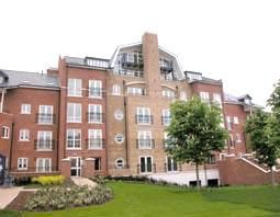 Thumbnail 2 bedroom flat to rent in Aveley House, Reading