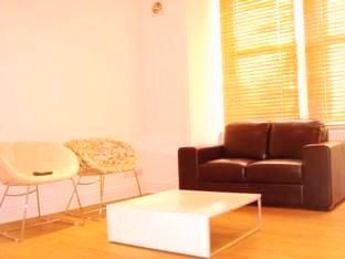 Thumbnail 1 bed flat to rent in Hitherfield Road, Streatham Hill