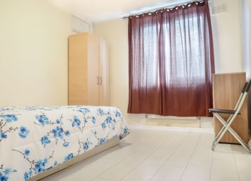 Thumbnail 4 bedroom shared accommodation to rent in Guerin Square, London