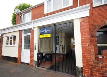 Thumbnail 2 bed flat to rent in Princes Square, St Thomas, Exeter