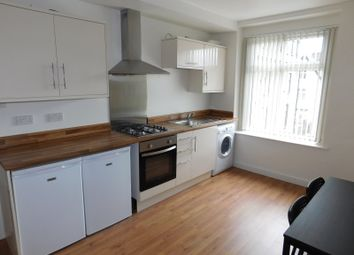 Thumbnail 3 bed flat to rent in Primrose Hill, Bradford