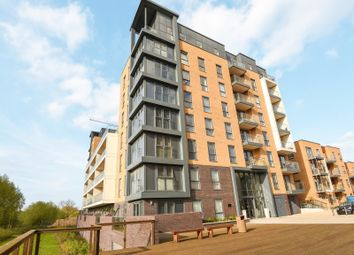 Thumbnail 2 bed flat to rent in Skylark House, Drake Way, Reading