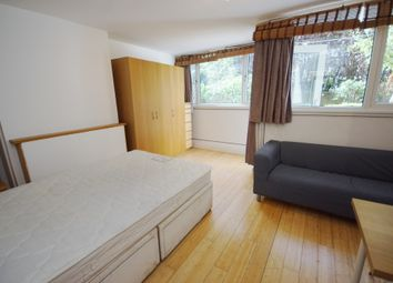 3 bed maisonette to rent in Rowstock Gardens, London N7