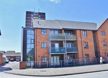 Thumbnail 1 bed flat to rent in Oakridge Road, Basingstoke