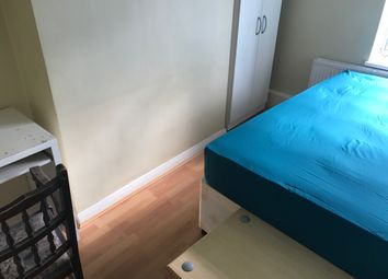 Thumbnail 2 bed shared accommodation to rent in Charlton Court, Hoxton