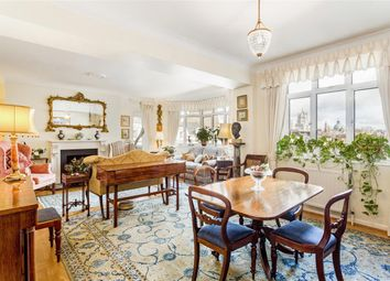 Onslow Crescent, London SW7. 3 bed flat for sale