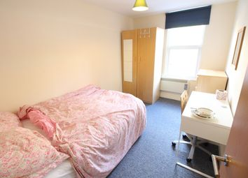 Thumbnail 5 bed flat to rent in Hotwell Road, Bristol