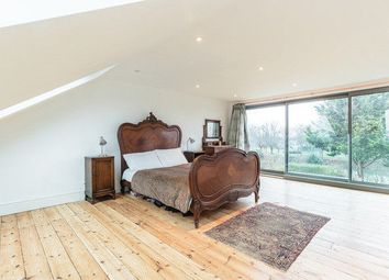 Thumbnail 5 bedroom terraced house to rent in Arundel Gardens, Ilford, London