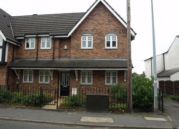 2 bed flat to rent in Moorside Road, Swinton, Manchester M27