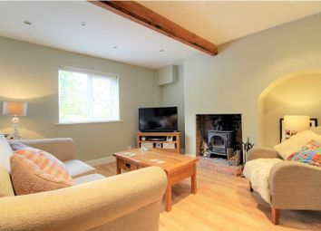 2 bed terraced house to rent in Andover Road, Newbury RG14