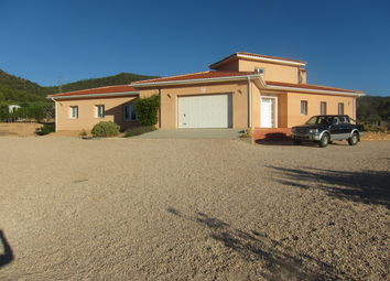 Thumbnail 4 bed villa for sale in Biar, Alicante, Valencia, Spain