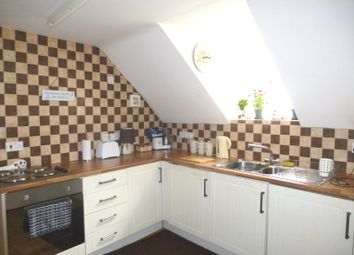 Thumbnail 2 bed flat to rent in Watergate, Sleaford, Lincolnshire