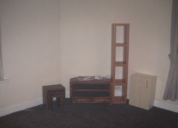 Thumbnail 1 bedroom flat to rent in Poplar Road, Bearwood