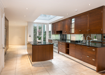Thumbnail 4 bedroom terraced house to rent in Ansdell Terrace, Kensington