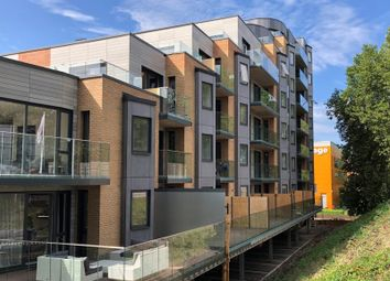 2 bed flat for sale in Berkeley Avenue, Reading RG1