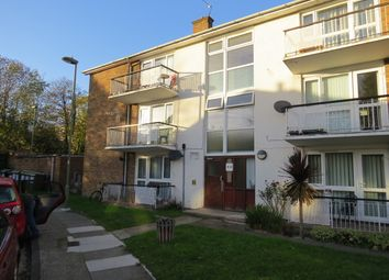 Thumbnail 2 bed flat to rent in Victoria Grove, Finchley