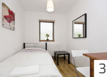 Thumbnail Room to rent in Dundee Road, London