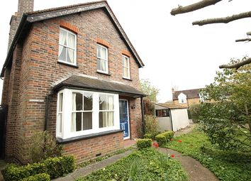 3 bed detached house to rent in South Road, Horsell, Woking GU21