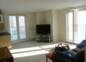 Thumbnail 2 bedroom flat to rent in Regis Park Road, Reading, Berkshire