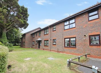 Thumbnail 2 bedroom flat for sale in Bulkington Avenue, Broadwater, Worthing