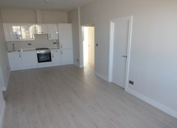 Thumbnail 2 bed flat to rent in Albert Street, Fleet