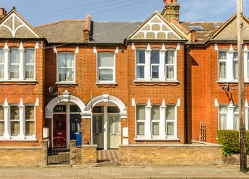 3 bed maisonette to rent in Longley Road, Tooting, London SW179Ld SW17
