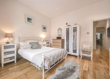 Cavendish Road, London SW12. 2 bed flat