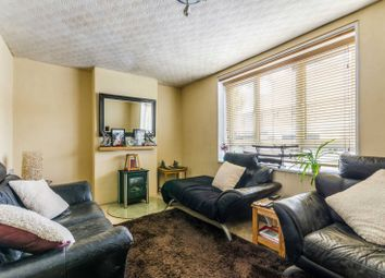 3 bed property for sale in Glengall Grove, Canary Wharf, London E14