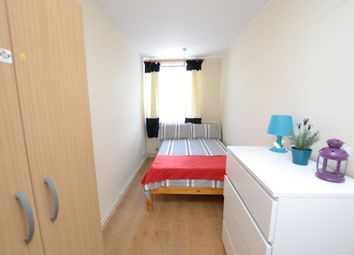 Thumbnail Room to rent in The Quaterdeck, Westferry Road, London