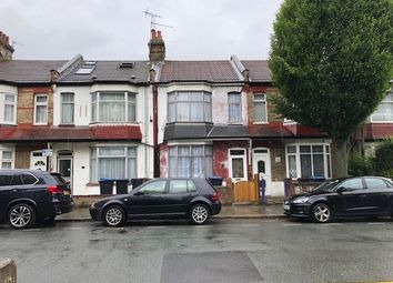 Thumbnail 3 bed property to rent in College Gardens, London