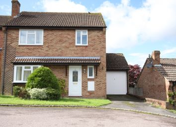 Thumbnail 4 bed detached house to rent in Yew Close, Kingsclere, Newbury