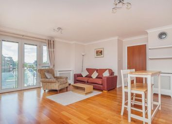 Thumbnail 2 bed flat to rent in Lindsay Road, Edinburgh