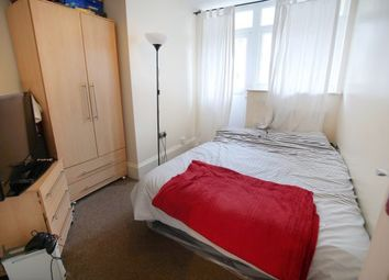 Thumbnail Room to rent in Alpha Grove 93, London