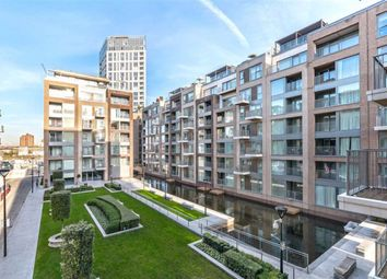 Park Street, London SW6. 2 bed flat for sale