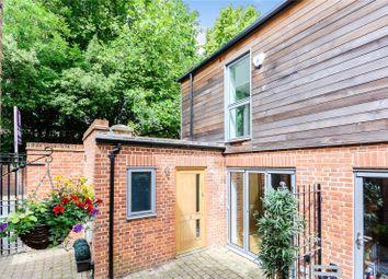Peels Yard, Kings Road, Henley-On-Thames, Oxfordshire RG9. 2 bed mews house