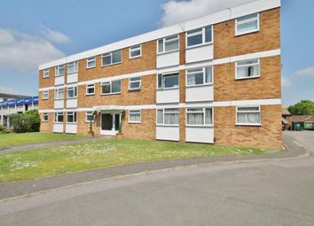 1 bed flat to rent in Amber Court, Laleham Road, Staines Upon Thames, Middlesex TW18