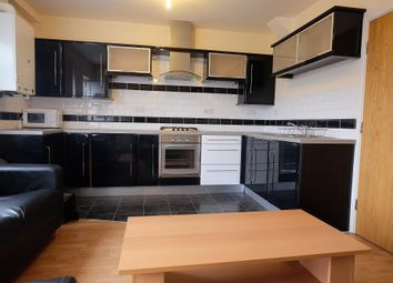 3 bed flat to rent in Glossop Road, Sheffield S10