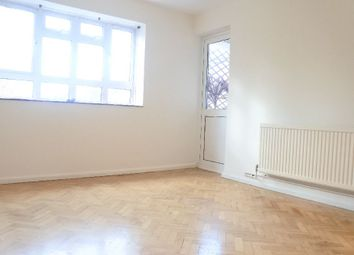 Thumbnail 3 bed flat to rent in Lynton Road, London