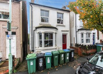 Thumbnail 1 bed flat to rent in Gladstone Road, Watford