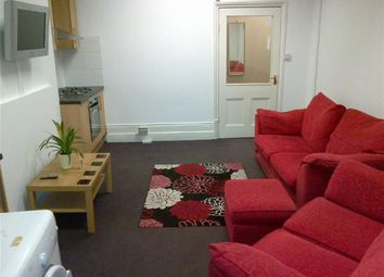 Thumbnail 3 bedroom flat to rent in London Road, Leicester