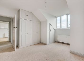 Thumbnail 2 bed flat to rent in Kingswood Avenue, London