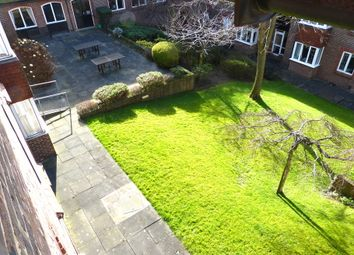 Birnbeck Court, Finchley Road, Golders Green NW11. 1 bed flat
