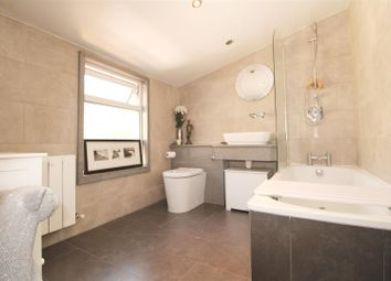 2 bed property for sale in Wellington Street, Hertford SG14