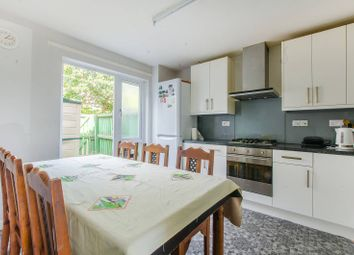 3 bed property for sale in Crofts Street, Tower Hill, London E18Lu E1