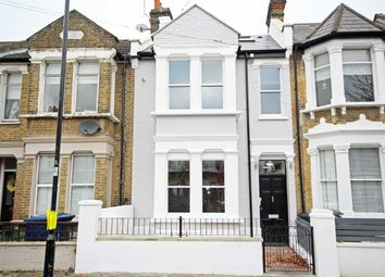 Thumbnail 1 bed flat to rent in Leythe Road, London